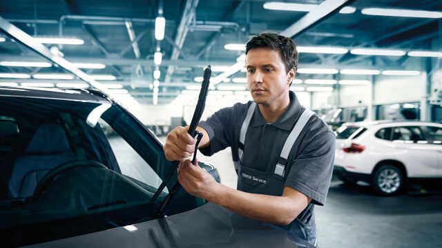 Siirtopalvelu veloituksetta BMW Vakuutus -asiakkaille