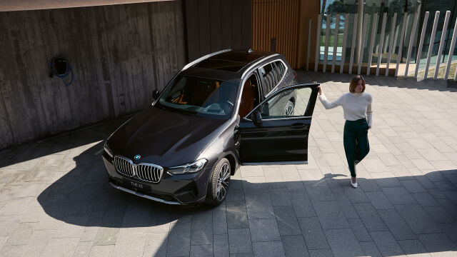 Uusi BMW X3 heti ajoon.