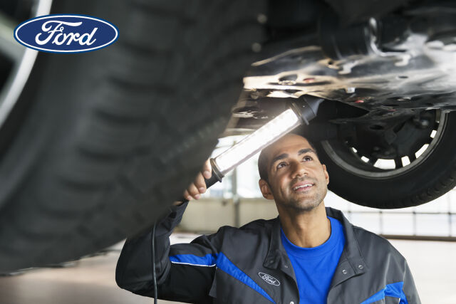 Ford merkkihuolto yli 5-vuotiaille autoille.