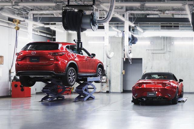 Edullinen Mazda Silver -huolto 179 €.