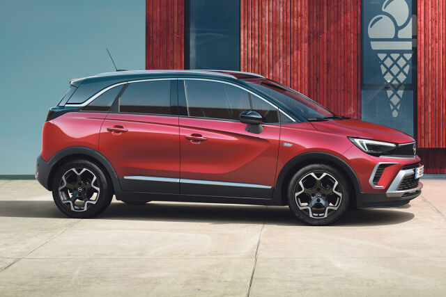 Uusi kompakti katumaasturi Opel Crossland kampanjahintaan Laakkoselta.