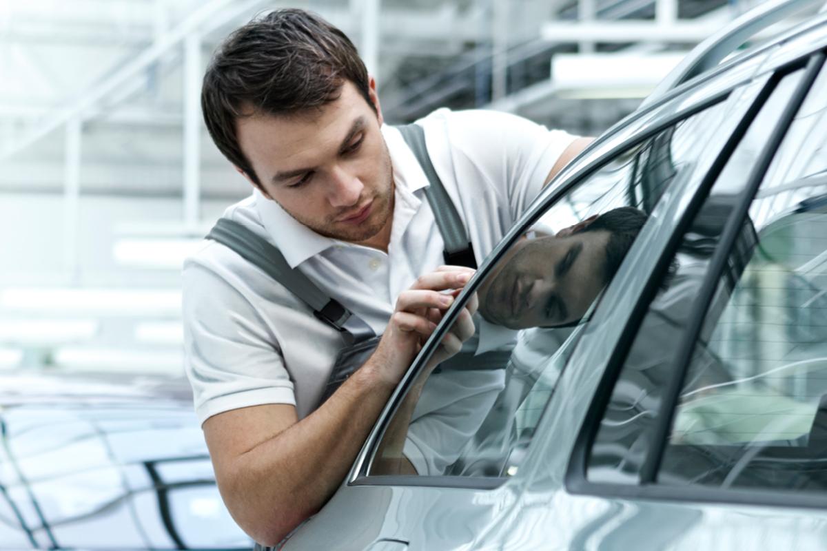 Laakkosen ŠKODA-huollon edulliset pakettihinnat yli 5-vuotiaille autoille.
